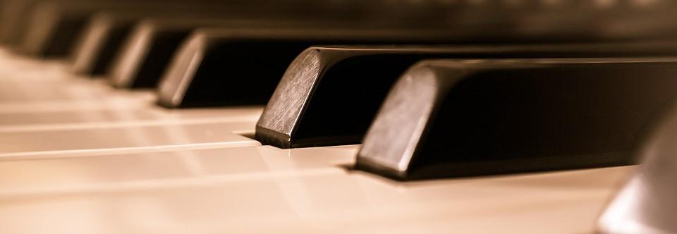 Italian Pianist Guidi plays in Teheran