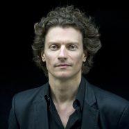 Konzert mit dem Tehran Symphony Orchestra und Gastdirigent Nicolas Krauze